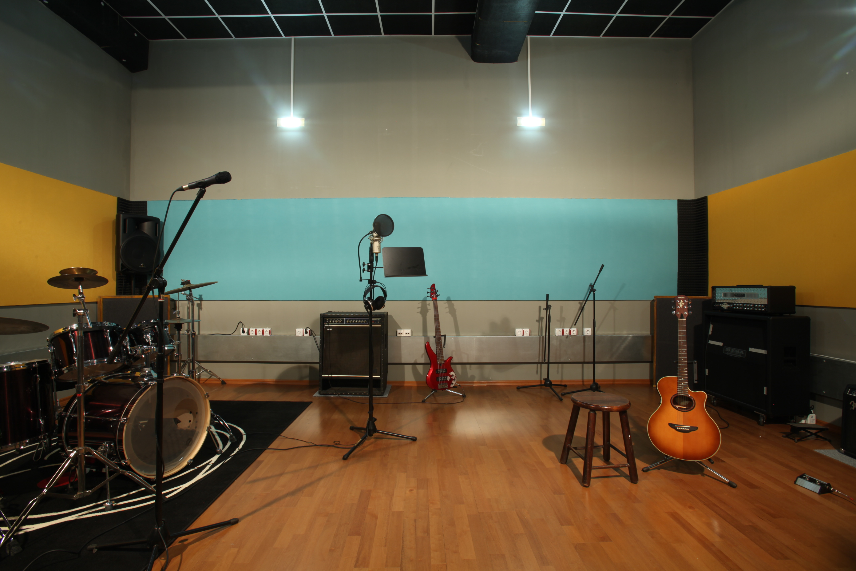 Pacific studio recording and rehearsal studio in sofia for Yamaha hs80m specs