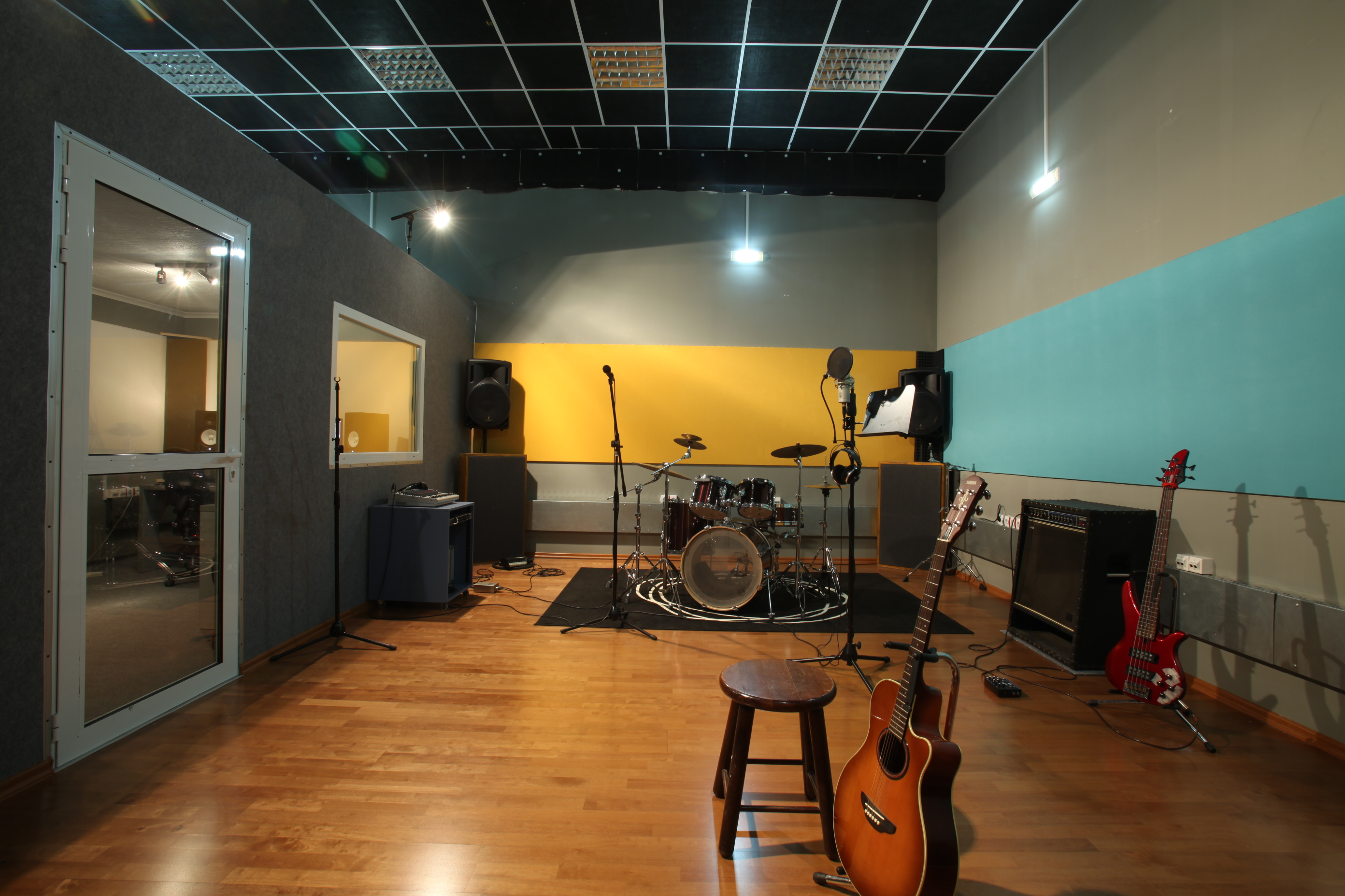 Phenomenal Pacific Studio Recording And Rehearsal Studio In Sofia Bulgaria Largest Home Design Picture Inspirations Pitcheantrous